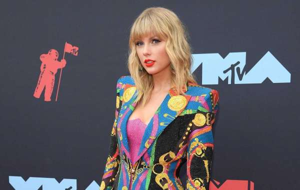 MTV VMAs 2019: Fashion—Live From the Red Carpet